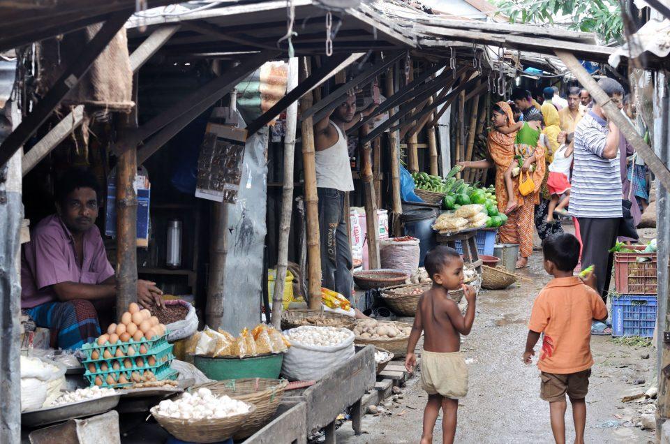 Zoom sur deux bidonvilles de Dhaka